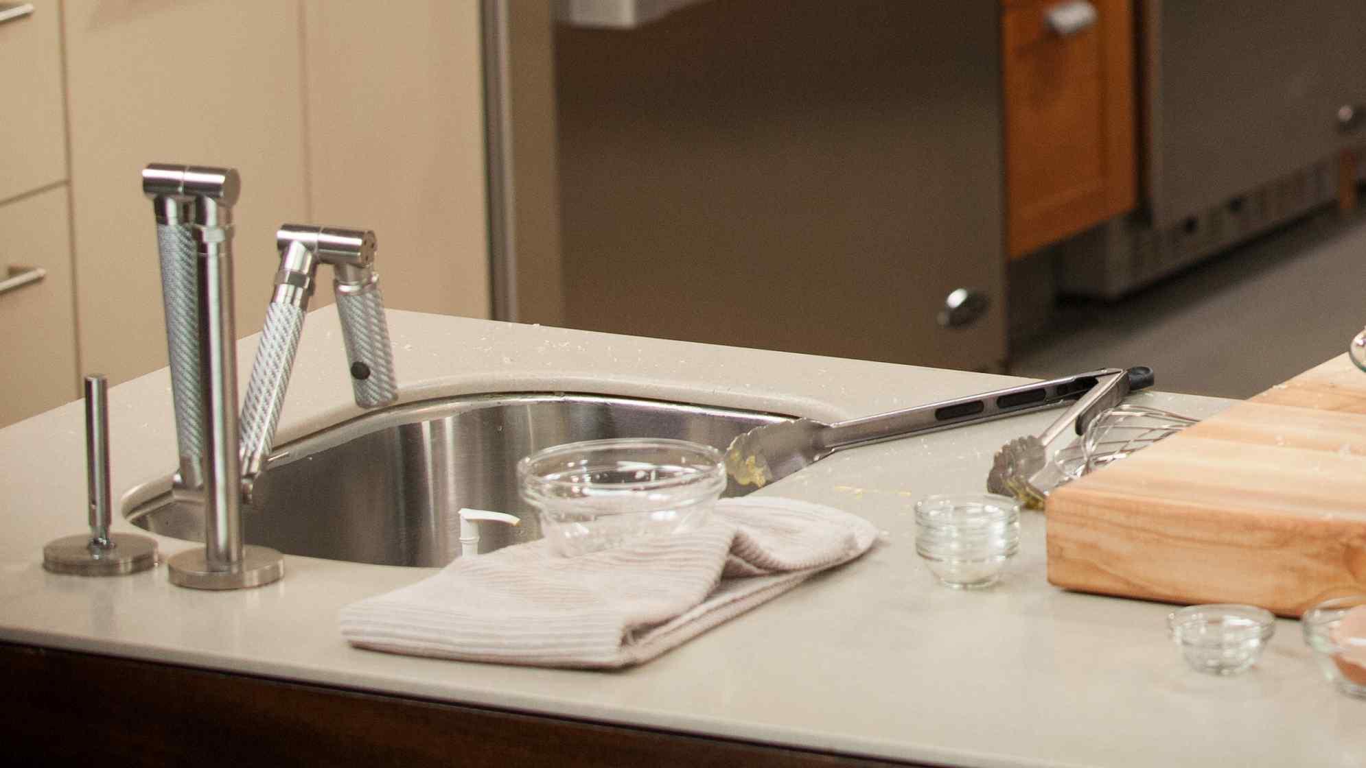 شركة تنظيف مطابخ وإزالة الدهون في رأس الخيمة